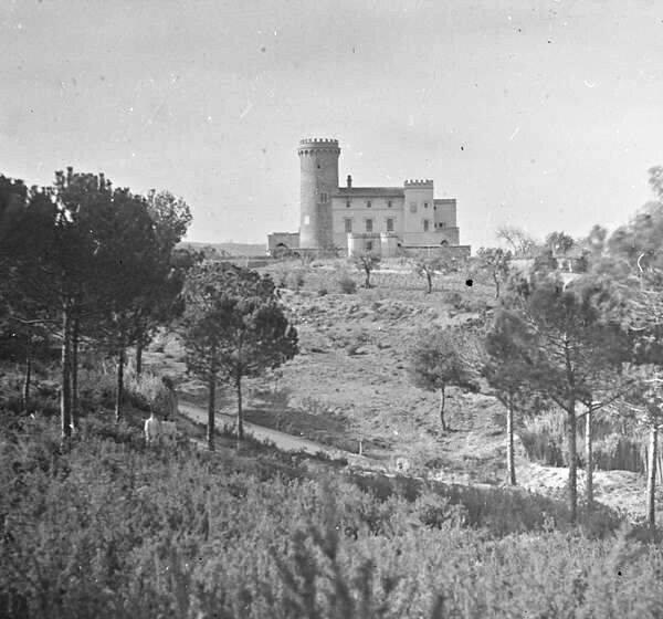 Colònia Güell Aleix Font torre salkvana
