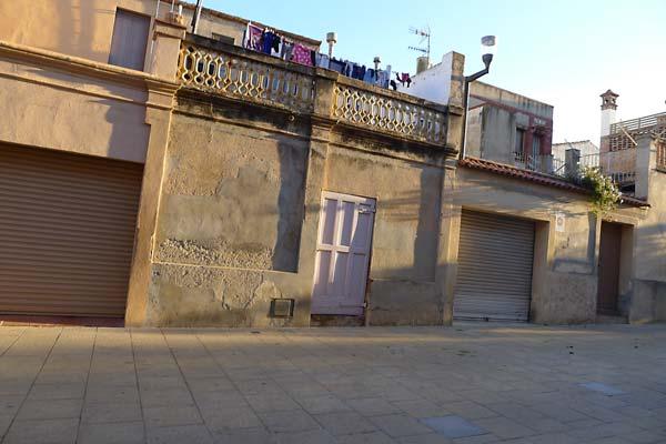 Colònia Güell davant Sant Lluís